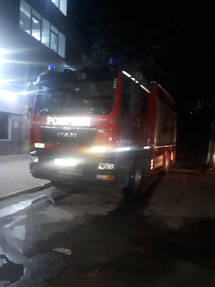 Pompierii ridicați pe alarmă în direcția Spitalului Clinic Republican