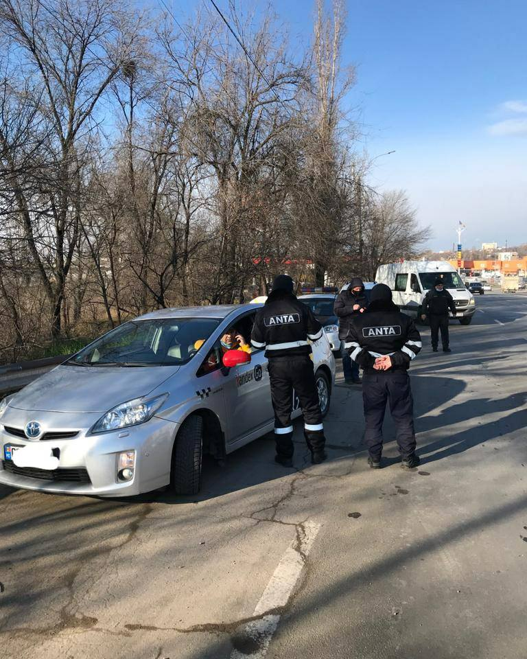 Taximetriștii din Chișinău – verificați de ANTA