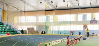 Au fost reluate competițiile sportive naționale la lupte, atletism, tenis și volei
