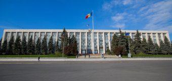 Solicitare către Guvern – să revizuiască decizia privind interzicerea întrunirilor publice