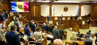 Minut de reculegere – în Parlament, pentru medicii răpuși de COVID-19