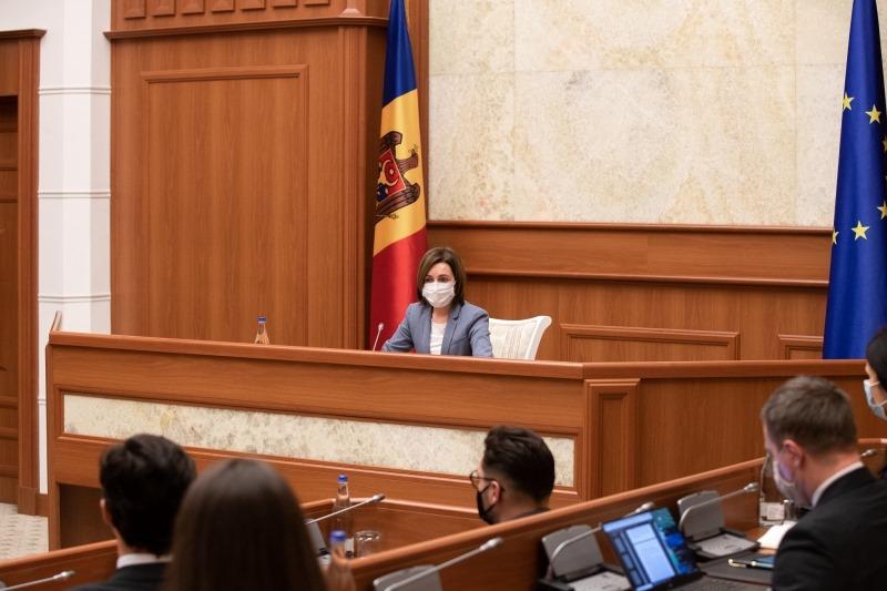 Maia Sandu se consultă cu societatea civilă cu privire la criza politică