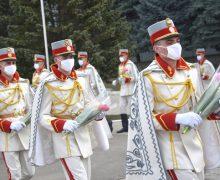 Diplome şi distincţii pentru femeile Armatei Naţionale