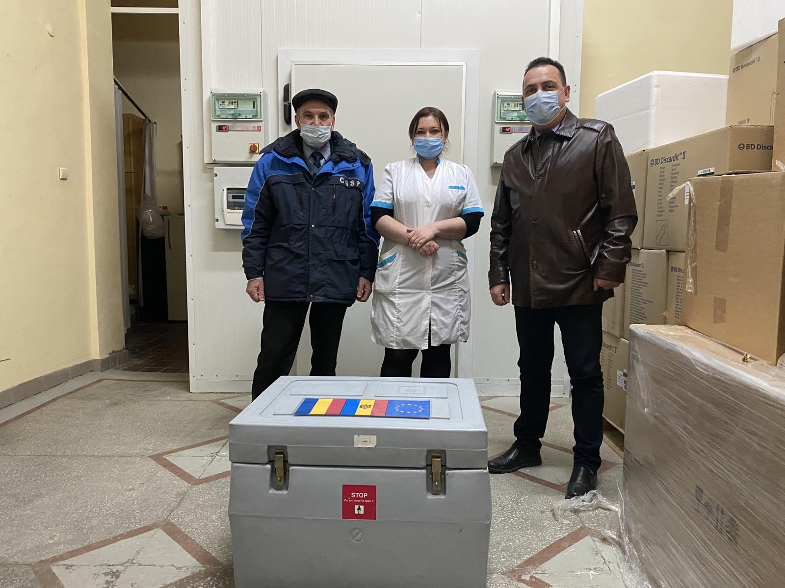 Aproape 2 mii doze de vaccin oferit de România – transmis de Chișinău în regiunea transnistreană