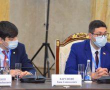 Doi deputați din Parlamentul Repulicii Moldova au participat la monitorizarea referendumului din Kîrgîzstan