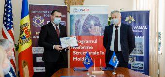 """(FOTO) Zi importantă pentru """"Poșta Moldovei""""! Serviciul Vamal i-a conferit statutul de Agent Economic Autorizat"""