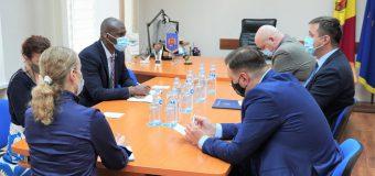 Ce a discutat conducerea CEC cu Ambasadorul SUA