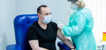 Câțiva deputați socialiști s-au vaccinat cu serul chinez Sinopharm