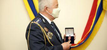 Renumitul colecționar Petru Costin – decorat de ministrul Afacerilor Interne
