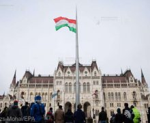 Ungaria adoptă o lege care interzice 'promovarea' homosexualităţii în rândul minorilor