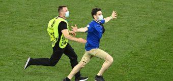 Un suporter în tricoul Moldovei a intrat pe teren la meciul Franța – Elveția, de la București