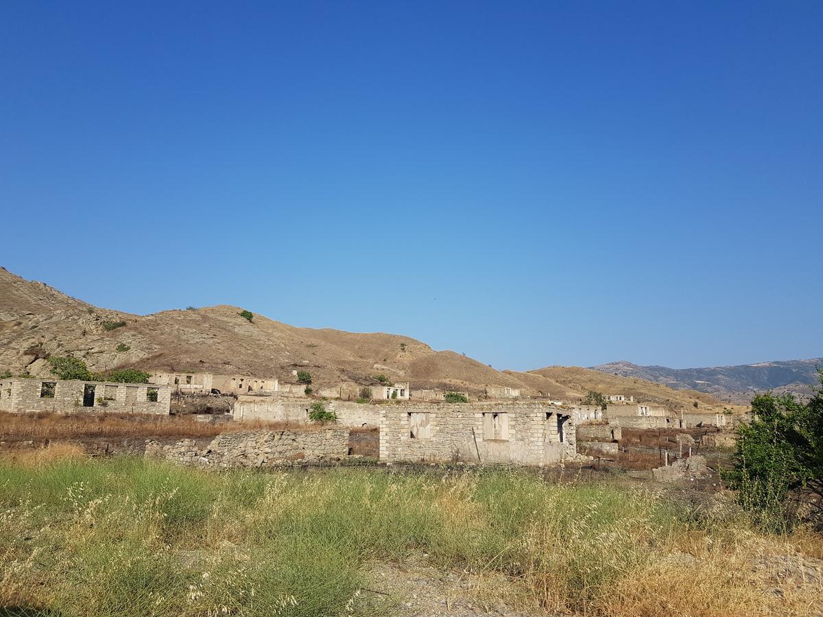 O nouă etapă pentru raioanele ce au revenit în componența Azerbaidjanului: Drumuri, aeroporturi și sate cu tehnologii inteligente