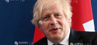 """Afganistan: Guvernul britanic lansează un program pentru primirea """"pe termen lung"""" a 20.000 de refugiaţi afgani"""