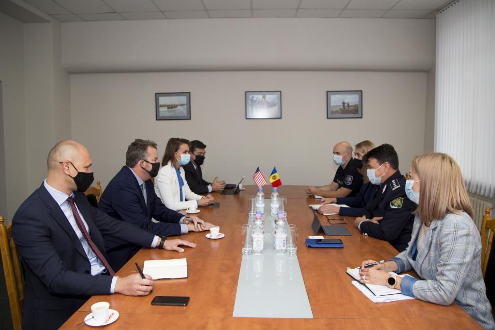 Vasiloi: Se întreprind toate măsurile necesare ca parcul auto al Poliției de Frontieră să fie modernizat continuu